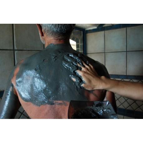 Application aux boues de la Mer morte (régénérantes) - Soins en Hammam - Riva Bella Thalasso